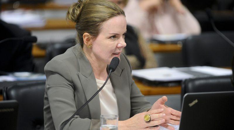 Senadora Gleisi Hoffmann é nova lider do PT no Senado