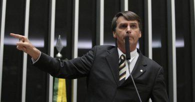 """Bolsonaro promete ministério 50% militar e dispara: """"Não é a imprensa ou o STF que vai falar o limite pra mim"""""""