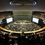 VOTE: Emenda à Constituição propõem reduzir número de Deputados e Senadores