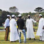 Chegada de refugiados muçulmanos muda cidades do interior do Brasil